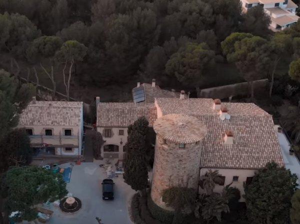 """СМИ нашли у семьи главы """"Ростеха"""" роскошные виллы в Испании"""