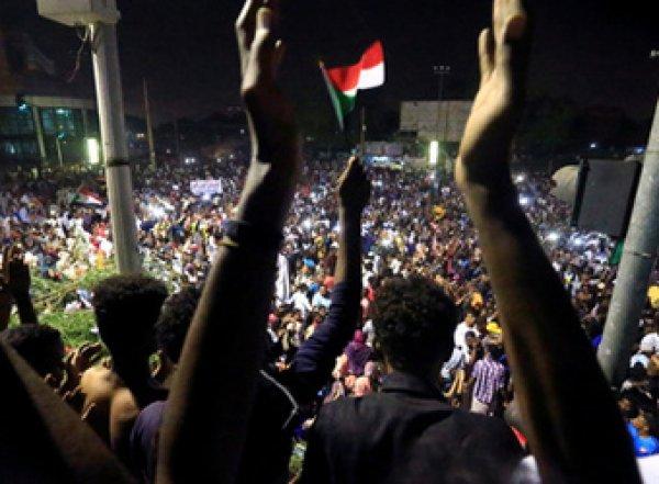 В Судане произошел военный переворот
