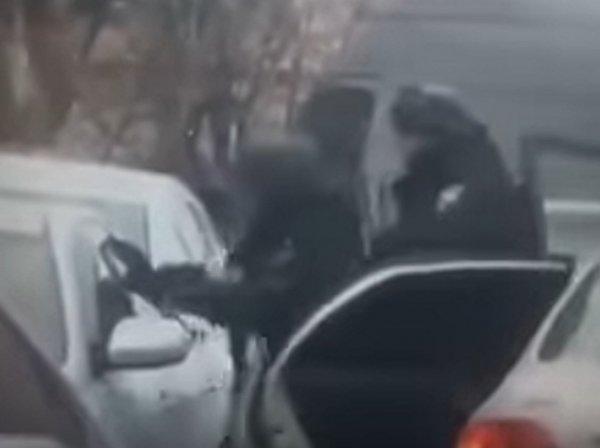 Задержание киллеров с пулеметом, планировавших убить вора в законе Вову-Морду, попало на видео