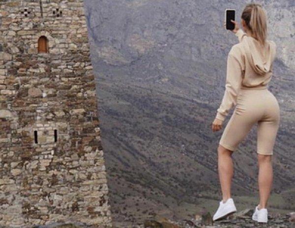 """""""Практически разделась"""": в Северной Осетии Шелест грозят изнасилованием за """"нескромные"""" фото"""