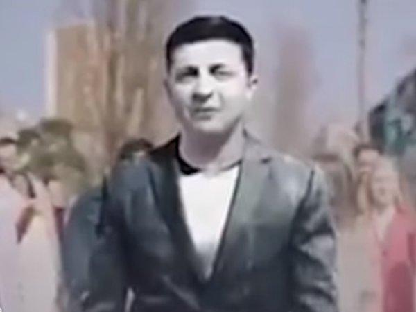 На Зеленского высыпали белый порошок в новом скандальном видео