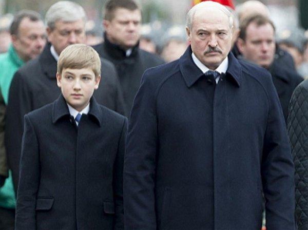 """""""Белорусский принц Уильям"""": фото возмужавшего сына Лукашенко произвело фурор в Сети"""