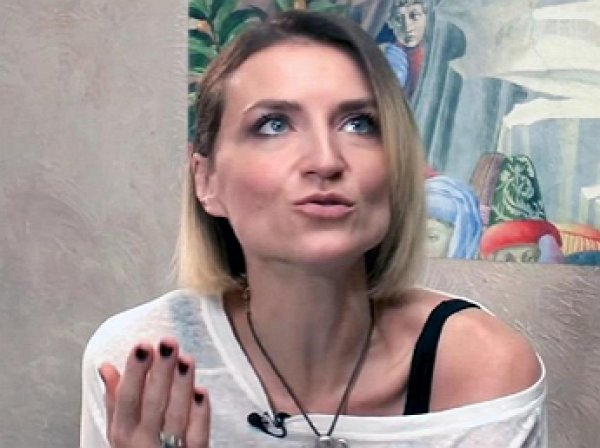 """""""Три часа пыток"""": вдову Марьянова после скандала с любовницей на """"Пусть говорят"""" вынесли из студии (ВИДЕО)"""