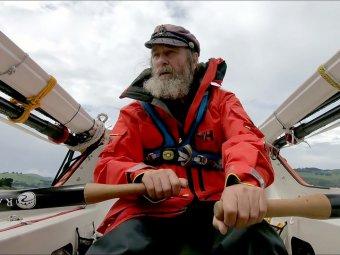 Федор Конюхов впервые пересек Тихий океан на весельной лодке