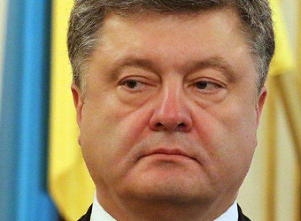 Председатель Еврокомиссии похлопал Порошенко по затылку (ВИДЕО)
