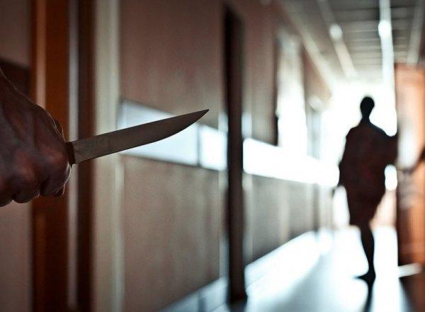 В Ставрополе мужчина с ножом напал на редакцию газеты: есть раненые