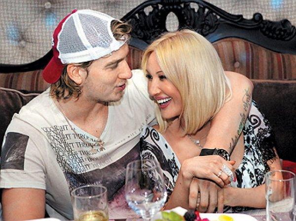 Муж Кудрявцевой впервые показал лицо дочери