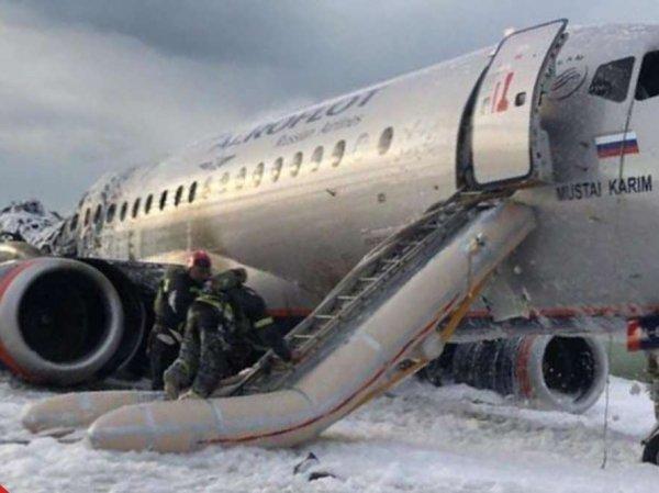 """""""Не хочется быть мясом"""": в Сети потребовали запретить полеты Superjet, Минтранс не видит причин для этого"""
