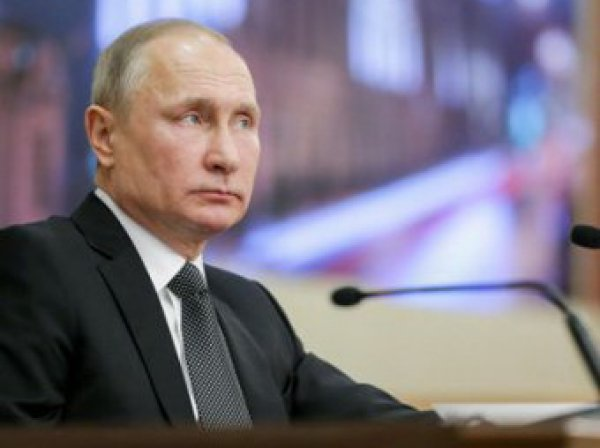 Кремль требует объяснений падения рейтинга Путина