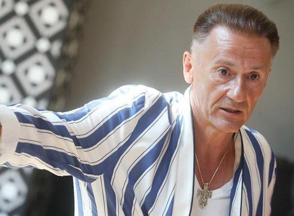 Вдова отбирает элитную квартиру у Олега Меньшикова в центре Москвы