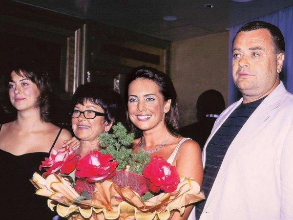 СМИ: семья Жанны Фриске распродает имущество из-за долго