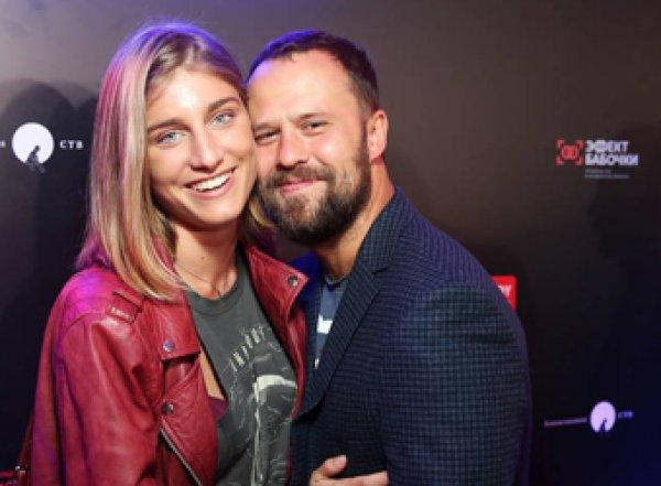 """""""Мы всю жизнь будем друг другу желать счастья"""": актеры Плетнев и Нинидзе объявили о разрыве"""
