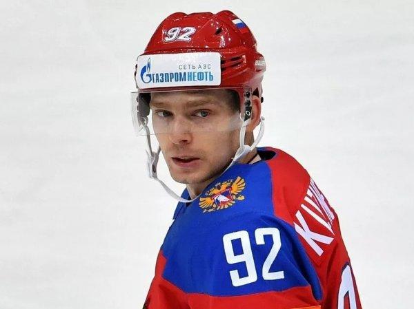 Скандал: хоккеиста сборной РФ Кузнецова засняли с белым порошком, рассыпанном на столе (ВИДЕО)