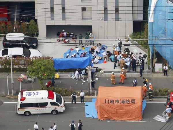 В Японии мужчина с ножом напал на школьников: погибли двое
