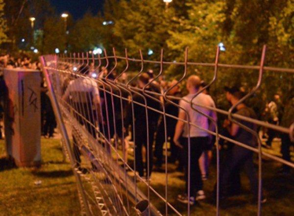 Жители Екатеринбурга всю ночь бунтовали против строительства храма на месте сквера (ФОТО, ВИДЕО)