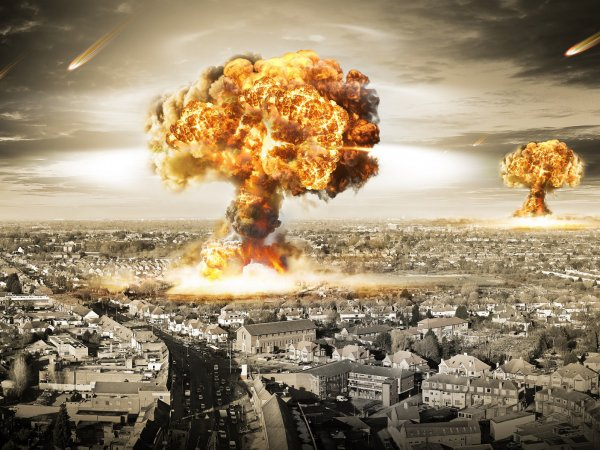 """""""Будет долгой и страшной"""": пророчество Нострадамуса о Третьей мировой войне в 2019 году попало в СМИ"""
