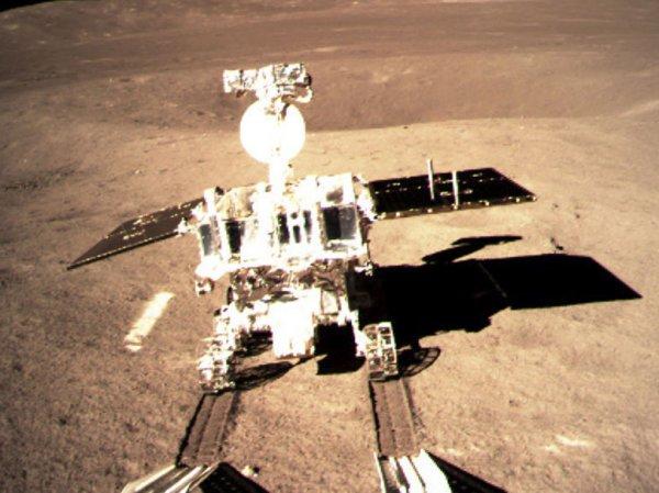 Китайский луноход сделал уникальное открытие на обратной стороне Луны