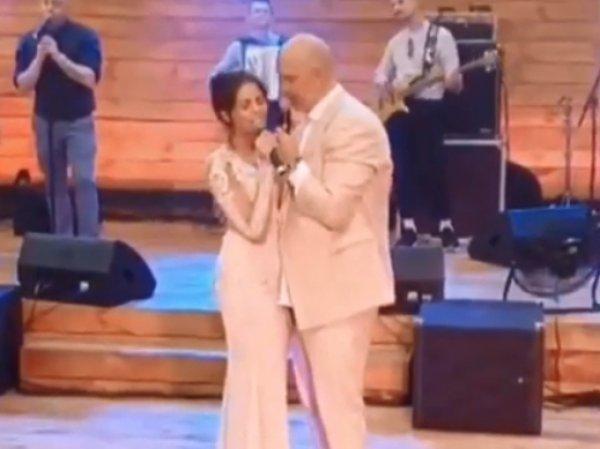 В Сети появилось видео со свадьбы Потапа и Насти Каменских: невесту заподозрили в беременности