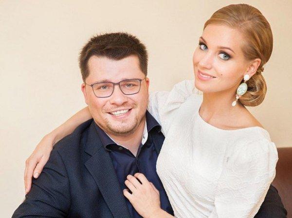 """""""Объявляем себя парой и заселяемся в домик"""": Харламов сделал признание о беременности Асмус"""