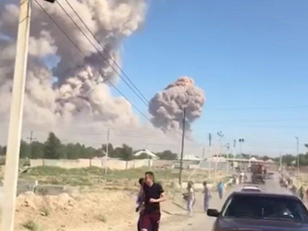 Взрыв в Казахстане на складе боеприпасов сегодня привел к эвакуации целого города
