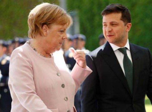 Меркель затрясло на встрече с Зеленским (ВИДЕО)