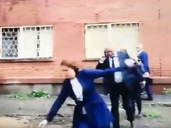 Мэр Омска упала в лужу в прямом эфире (ВИДЕО)