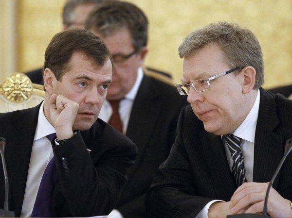 Медведев жестко осадил Кудрина за слова о позорной бедности россиян
