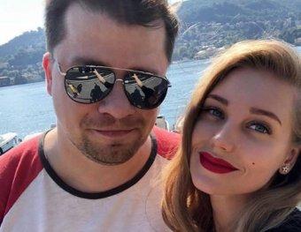 Точно муж?: Асмус поставила в тупик фанатов загадочным фото с Харламовым