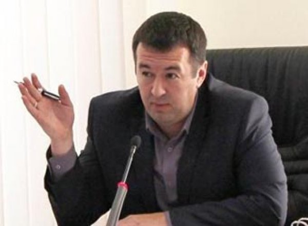 Югорский чиновник, владелец квартиры с борделем, уволился из мэрии