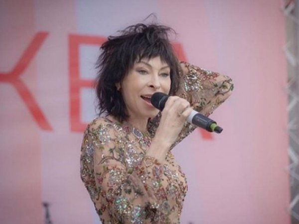 Набросившаяся на Алибасова певица Марина Хлебникова шокировала своим видом на шоу Малахова (ВИДЕО)