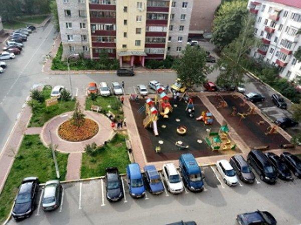 В Подмосковье на глазах у ребенка убили женщину на детской площадке