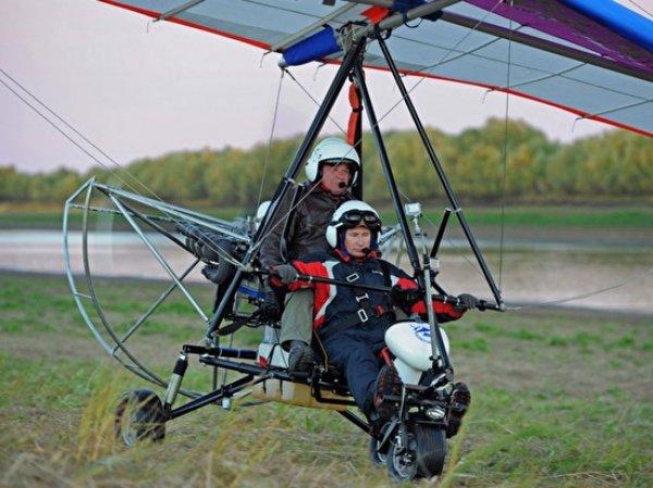Пилот, учивший Путина летать со стерхами, погиб при крушении вертолета
