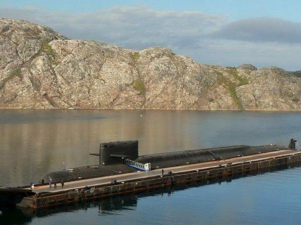 СМИ выяснили причину пожара на подлодке, где погибли 14 моряков