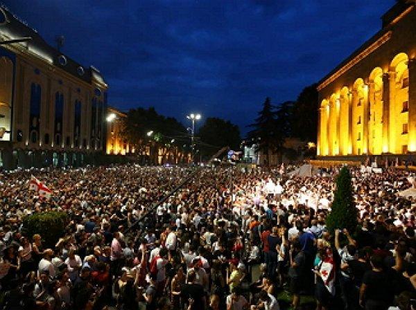 В центре Тбилиси начались столкновения, есть пострадавшие
