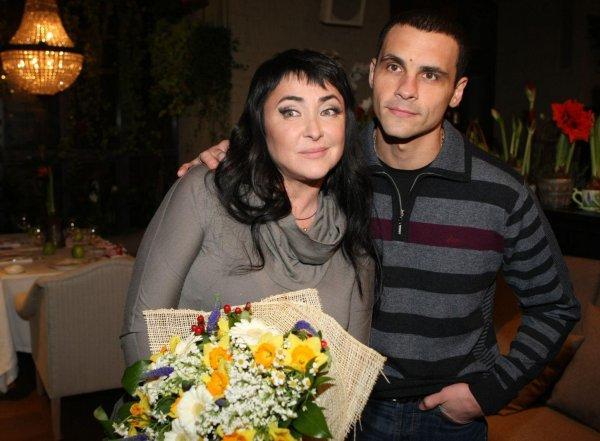 «Переживала неделю, потом плюнула»: Лолита разошлась с пятым мужем