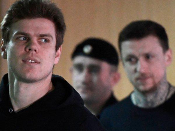 """""""Тебя бьют сразу"""": бывший заключенный рассказал о колонии Кокорина и Мамаева"""