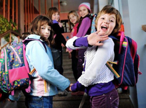 Госдума предлагает отправить школьников на каникулы до октября