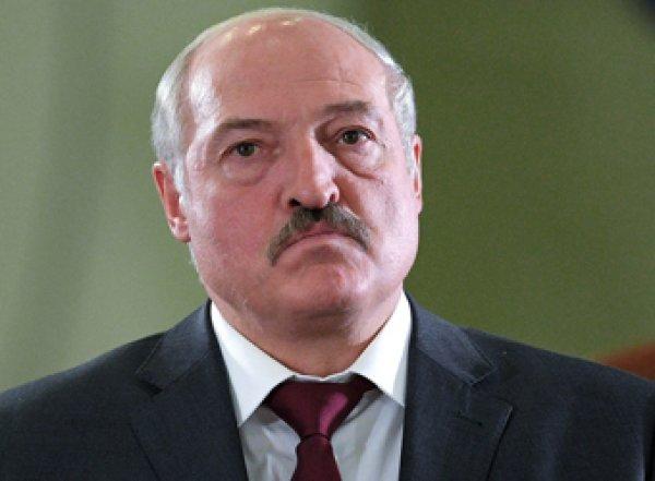 """""""Был пьяным и плохо работал"""": Лукашенко признался в избиении сотрудника"""