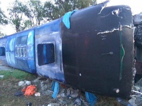 Авария с автобусом в Ставрополье: погибли 5 человек, пострадали 20