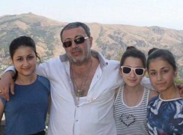 Сестры Хачатурян признаны жертвами своего отца