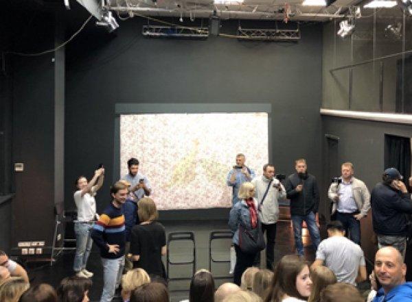 Скандал: 12 гомофобов сорвали спектакль о геях в «Театре.doc» (ВИДЕО)