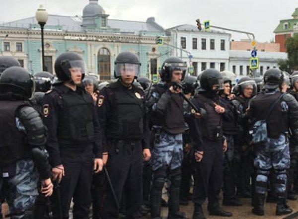 """""""Жесткие действия оправданы"""": в Кремле рассказали о реакции Путина на митинги в Москве"""