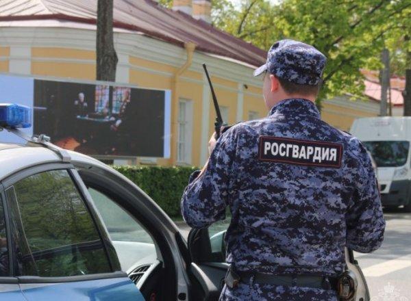 В Тюмени мужчина расстрелял сотрудников Росгвардии