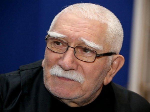 Армен Джигарханян после долгого перерыва вернулся в театр
