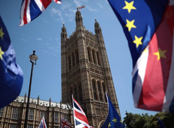 Вступил в силу закон об отсрочке Brexit