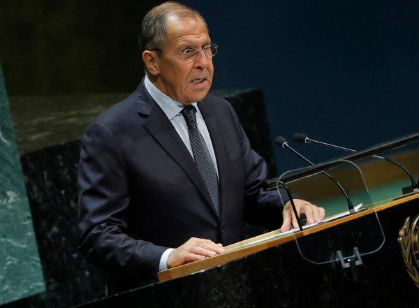 Очередь к главе МИД Лаврову после его выступления в ООН засняли на фото