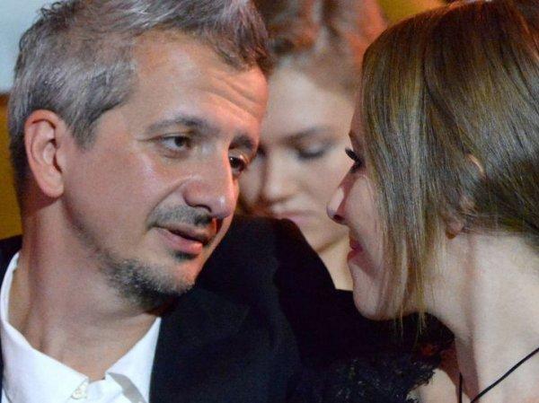 """""""Вы ужасно пахнете"""": драка Богомолова с журналистами перед свадьбой попала на видео"""