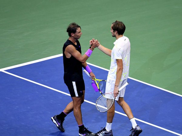 Российский теннисист Медведев проиграл Надалю в пятичасовом финале US Open