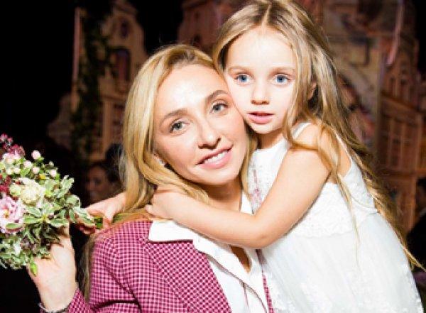 «Девочки похожи на отцов»: Навка показала милое фото с дочками от Пескова и Жулина