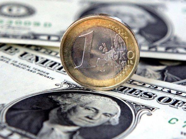 Курс доллара на сегодня, 17 сентября 2019: доллар и евро на грани падения ниже важных уровней